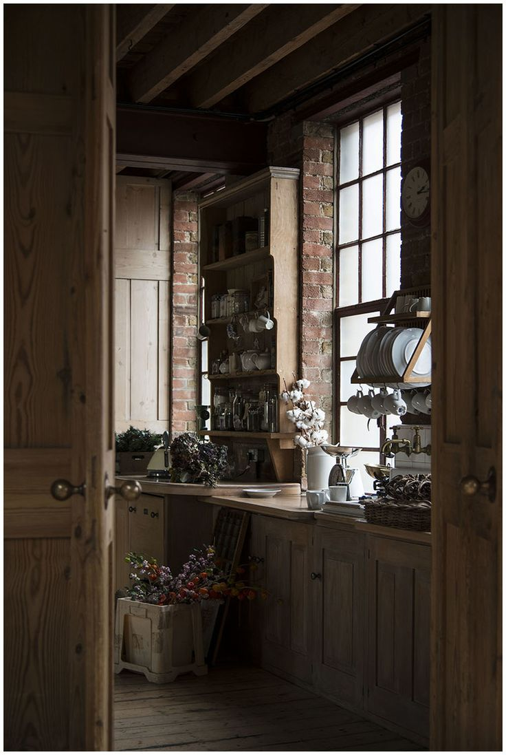 Amazing Warehouse Kitchen