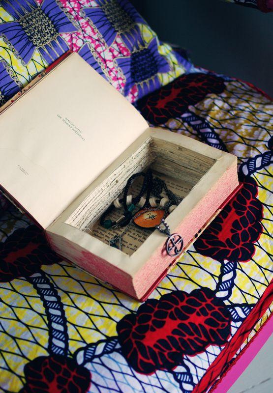 DIY smyckeskrin av gammal bok - Tedags hos Tant Ninette
