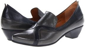 Fidji - L098 (Slate/Black) - Footwear on shopstyle.com