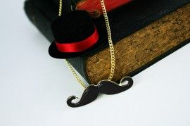 Le` Medium Moustache zwarte snor goudkleurige ketting