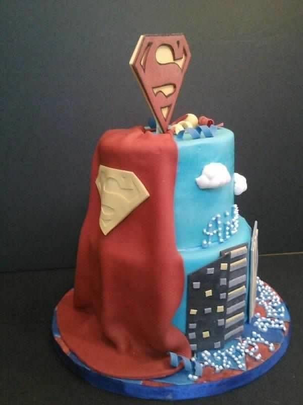 33 best Superman cake images on Pinterest Superman cakes