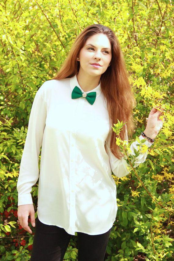 Green Matte Simple Women's Brooch Bow Tie 100% by #BowsByVaniaSzasz #Etsy