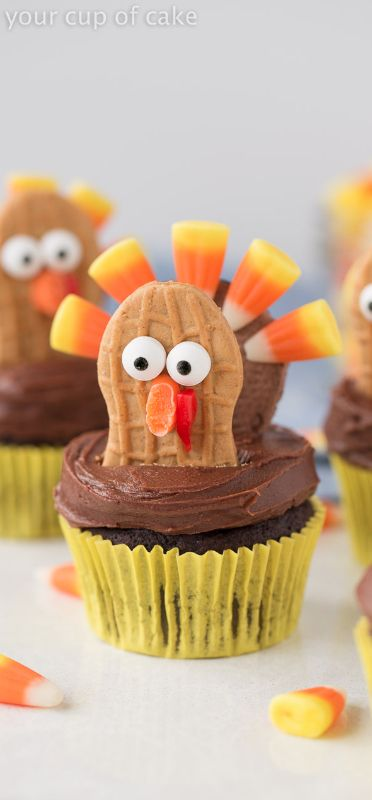 Cute Turkey Cupcakes using Oreos and Nutter Butters, perfect for Thanksgiving!