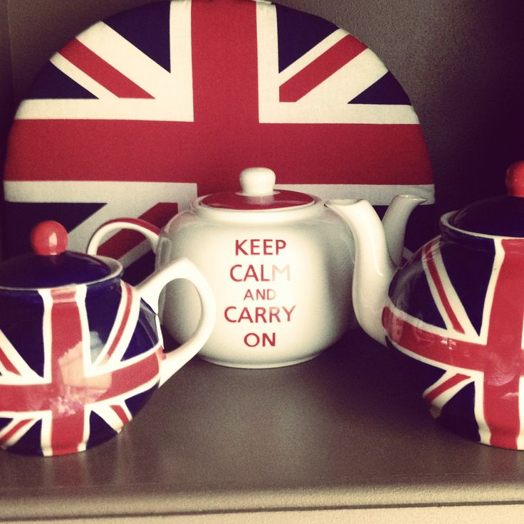 Great Union Jack products - teapots, tea cosies, travel mugs, pot holders, and more.