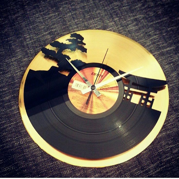 We're in love with this model, #SUNSET Gold! Check it, we do ship WORLDWIDE!  . 1077 Budapest, Wesselényi 35. HU ➡ www.vinylandwood.hu EN ➡www.vinylandwood.com . #vinylandwood #discoclock #vinylclock #vinylart #homedecor #homedesign #djlife #clublife #ibiza2016 #welovebudapest #BDPST #onecityonelove #Budapest #Hungary