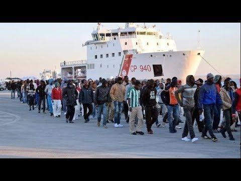 Afrikanische Flüchtlinge!!!  2017 - YouTube