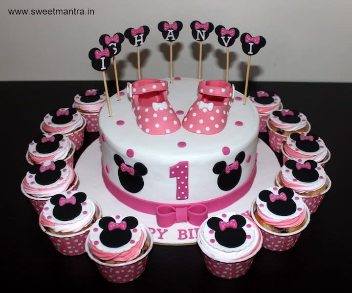 Minnie Mouse Theme Customized Cake And Cupcakes For Girl S 1st Birthday By Sweet Mantra Customized 3d Cakes Designer Wedding Girl Cupcakes Cupcake Cakes Cake