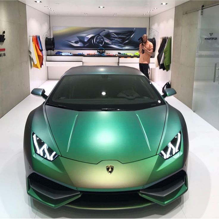Lamborghini Huracan LP610-4 painted in Verde Agave  Photo taken by: @doctam3 on Instagram
