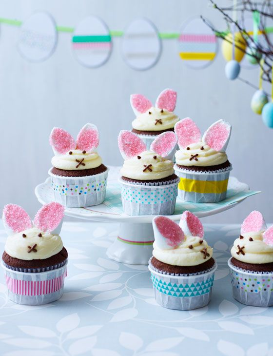 Take your Easter cupcakes to the next level with these chocolate and vanilla Easter bunny cakes!