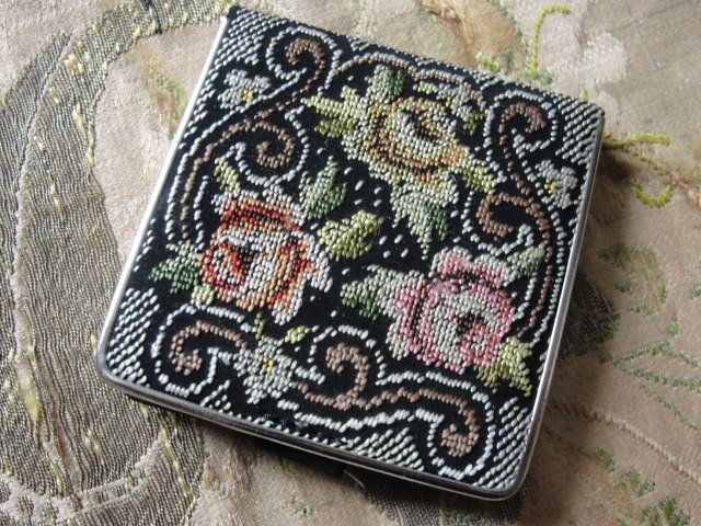 BEAUTIFUL Vintage Powder Compact Mirror Petit Point Tapestry Bridesmaid Gift Just Lovely