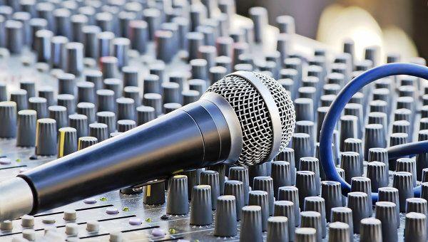 Микрофон, архивное фото