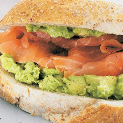 Lækker sandwich med laks & avocado