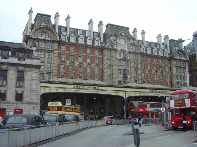 London Victoria Railway Station (VIC) in Victoria, Greater London