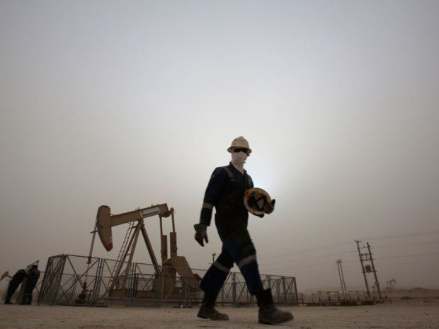 """Oil trader Andy Hall sees US$40 oil as close to an 'absolute price floor: """"Current prices are not sustainable in the longer term,"""" said Andy Hall, the head of Astenbeck Capital Management, in a Jan. 2 letter obtained by Bloomberg News."""
