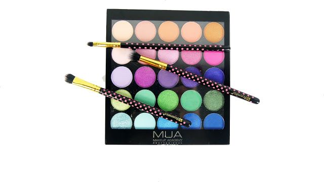 ✩ Michelle-Louise ✩: Review: Make Up Academy (MUA) Tropical Oceana Pale...