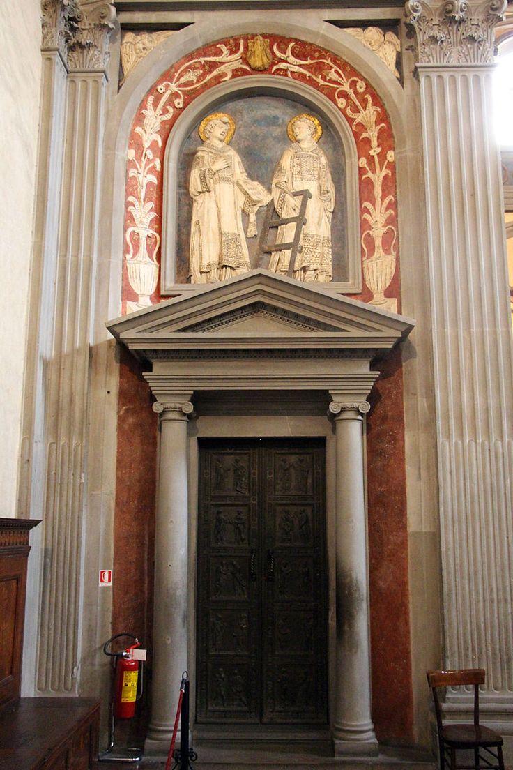 Donatello porta dei martiri e stucchi dei ss lorenzo e for Sagrestia vecchia