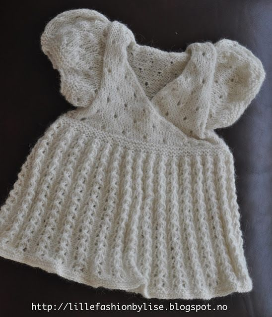 knitted babydress lillefashion.by.lise