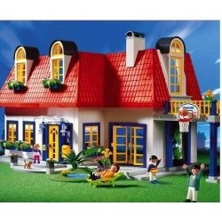 Playmobil dollhouse is a veritable institution. Nobody knows how many millions of girls and boys grew up playing with a Playmobil house. If you...