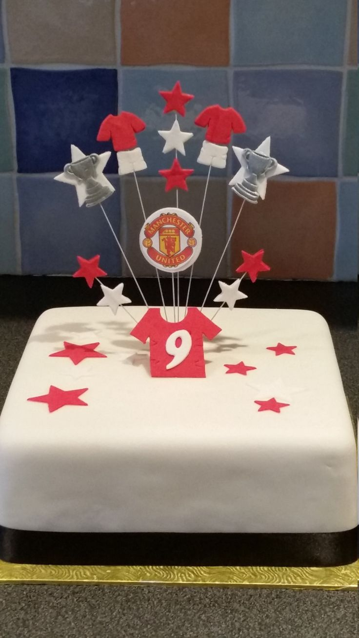 Manchester United style Birthday ckae topper/decoration with age shirt by sharonscaketoppers on Etsy