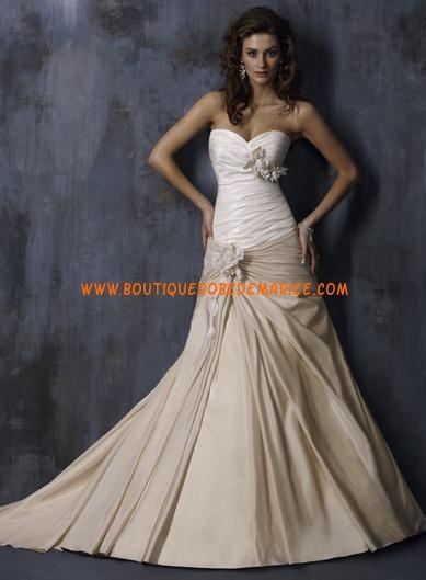 Robe de mariée originale à bustier en champagne