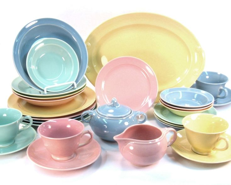 vintage lu ray pastels 28 piece dinner service for four 1947 to 1952 pastel aunt and vintage. Black Bedroom Furniture Sets. Home Design Ideas