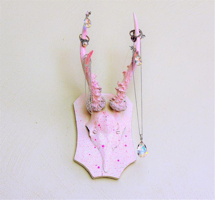 Lad dig inspirere hos Norlume , her finder du fashion og klassiske smykker til stilbevidst kvinder!!