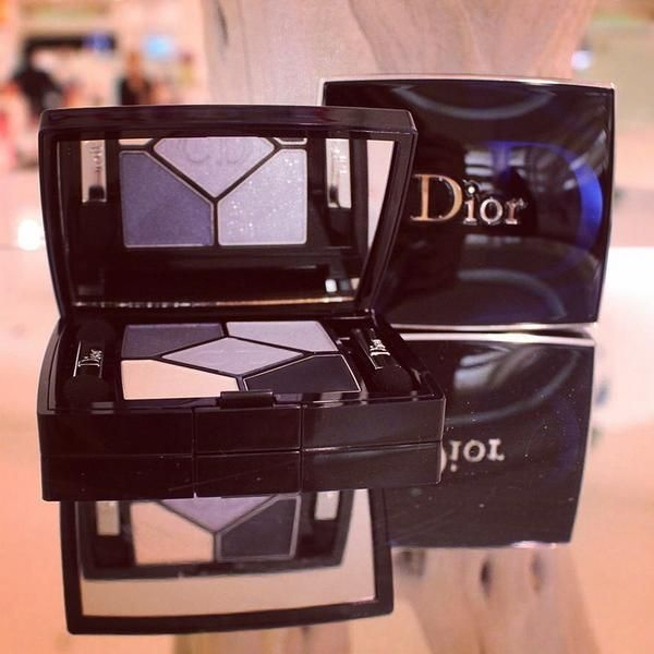 The ultimate eye-shadow palette for makeup-maestros, we simply adore #Dior... #HarrodsBeauty http://www.harrods.com/product/5-couleurs-designer/dior/b12-0804-030-DIOR-189?cat1=bc-dior&cat2=bc-dior-makeup&cat3=bc-dior-makeup-eyes?cid=scm_pip_tw_beaut_250714