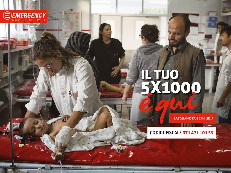 Il tuo 5x1000 per @emergencyong è anche tra i feriti in Afghanistan e in Libia, tra i profughi della guerra in Siria e in Iraq, tra i migranti che sbarcano in Sicilia, tra i pazienti dei nostri ospedali. Donaci il tuo #5x1000: lo trasformeremo in ospedali e centri sanitari, farmaci ed equipaggiamenti, formazione professionale e lavoro per lo staff locale. E, soprattutto, in cure gratuite per chi ne ha bisogno, senza discriminazioni.