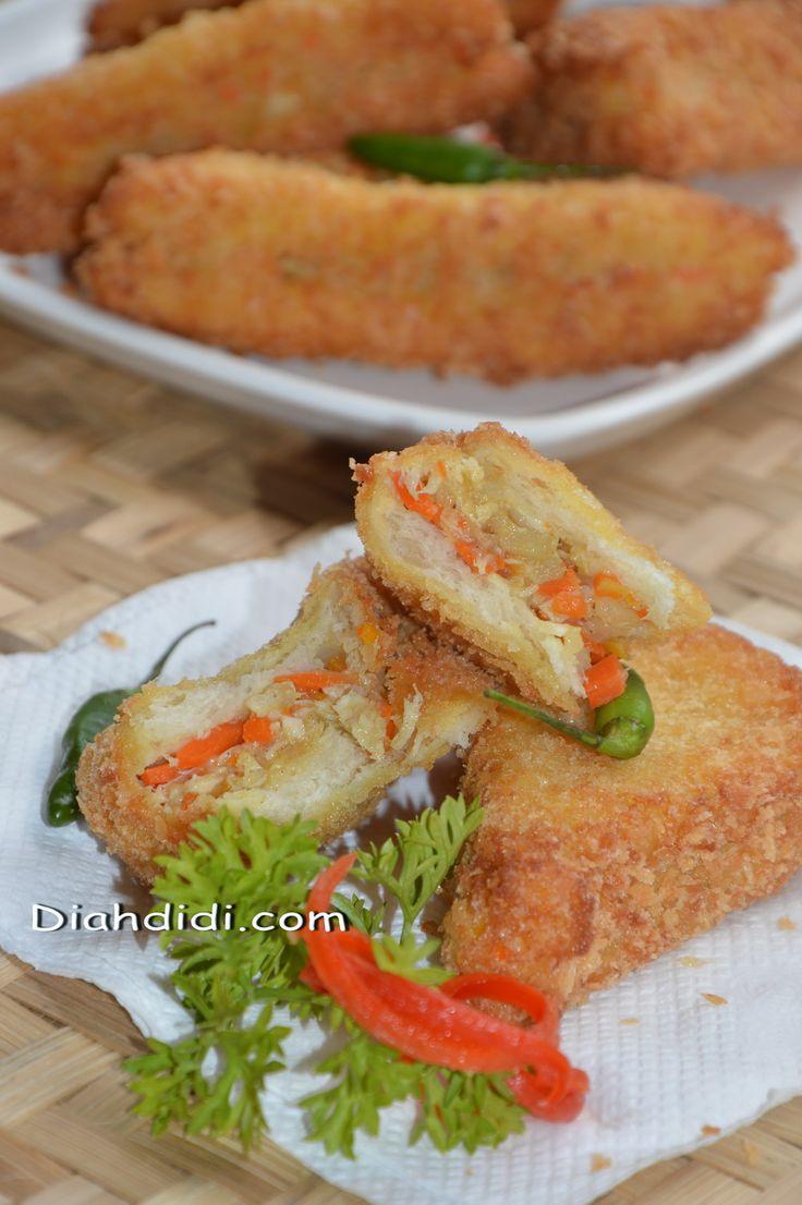 Diah Didi's Kitchen: Memanfaatkan Stock Roti Tawar Menjadi Snack Enak.....Roti Goreng Isi ragout