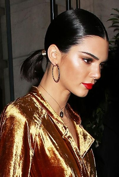 25 unique short hair ponytail ideas on pinterest short hair kendall jenner proves that short haired girls can wear ponytails urmus Image collections