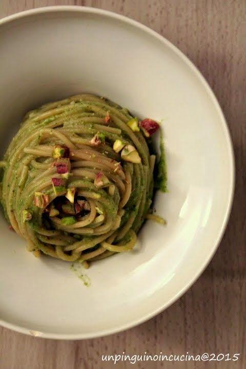 Kamut Spaghetti with Broccoli and Pistachio Nut Pesto - Spaghetti al kamut con pesto di broccoletti e pistacchi