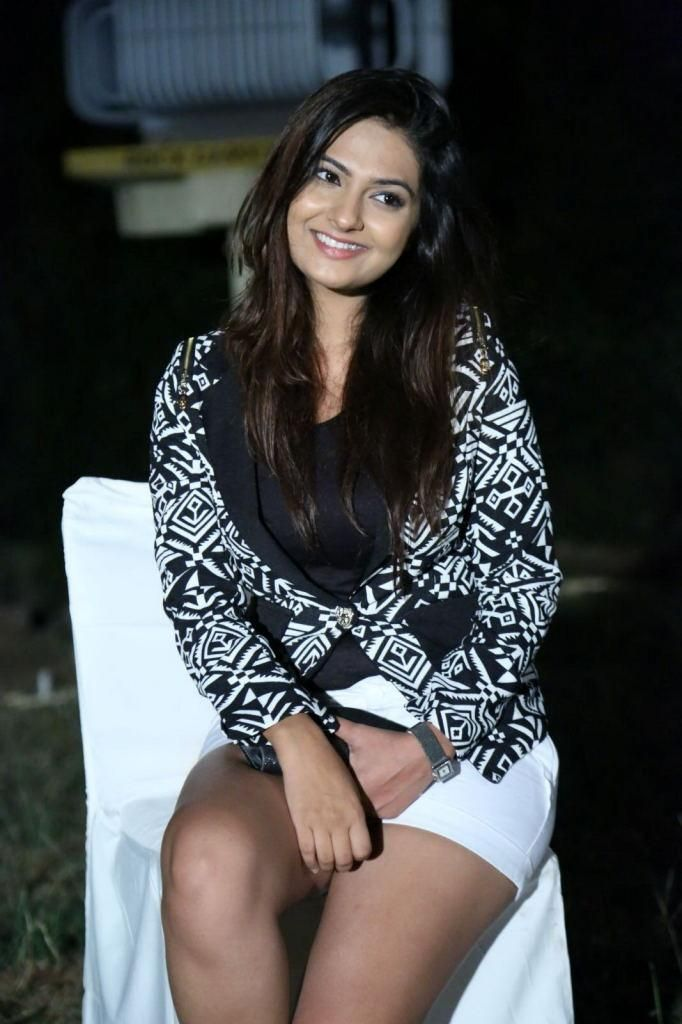neha-deshpande-photos-stills-images-picutres-gallery-photoshoot-wallpapers (1)