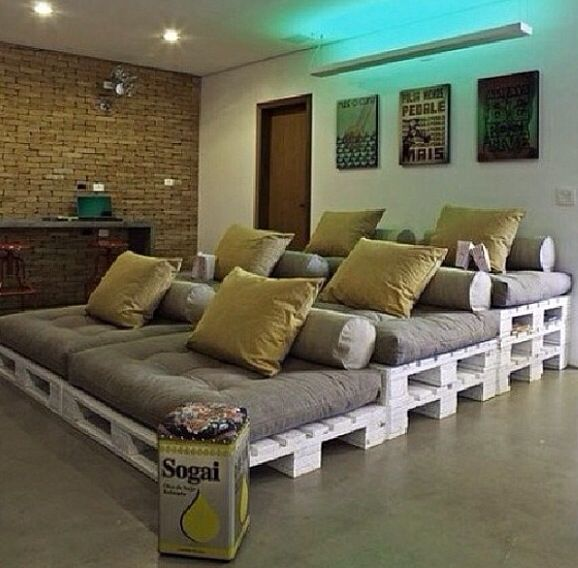 DIY home decor:  Movie Room. Cool idea for an outdoor movie night with family and friends. Excited!