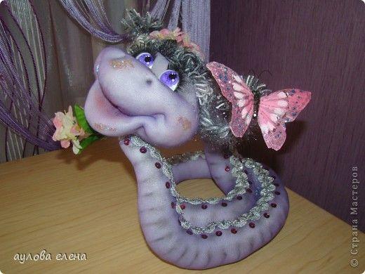 Куклы Шитьё: Змейка Капрон, Поролон, Проволока Новый год. Фото 1