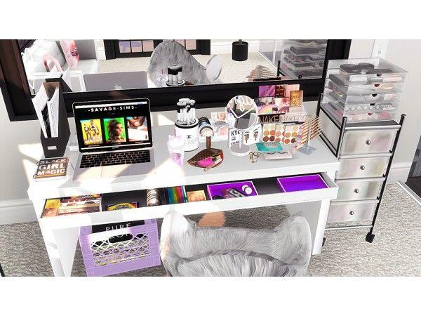Make Up Desk Decor