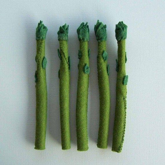 play food felt asparagus
