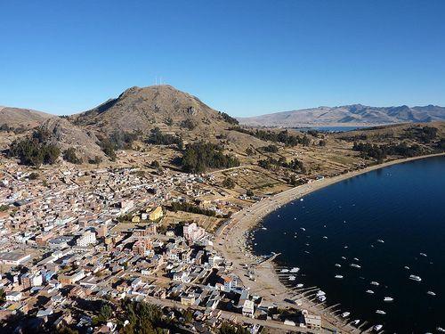 Copacabana en Bolivie! Découvrez plus de lieux à voir en Bolivie sur notre guide de voyage gratuit !