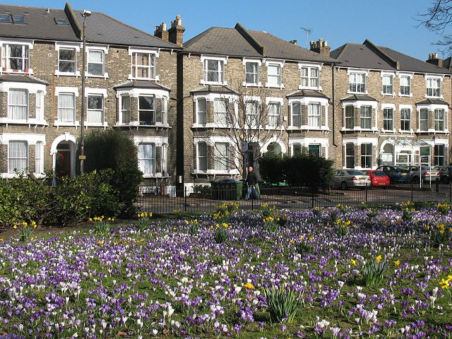 A Guide To Living In Greenwich London - This article will provide information on moving to Greenwich borough, helping you make an informed decision on whether or not Greenwich is the best option for your removal needs.