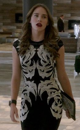 Charlotte's black and white bird dress on Revenge. Outfit Details: http://wornontv.net/39149/ #Revenge