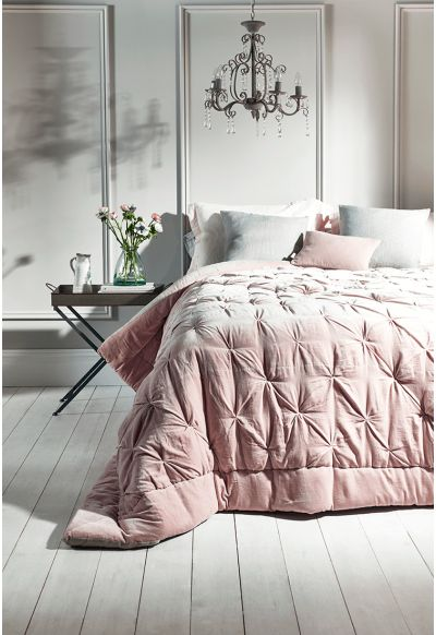 1000 Ideas About Velvet Quilt On Pinterest Duvet Bed