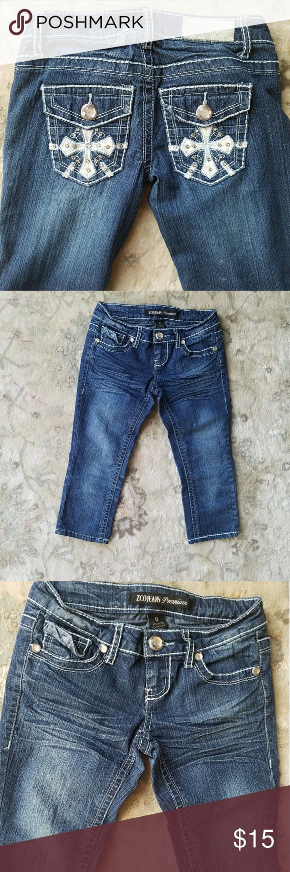 Women's ZCO Jeans premium denim capris 0 Beautiful details on back pockets. ZCO brand. Size 0. No signs of wear.  Not sure if my daughter ever wore them. Discounts on bundles  Feel free to make a reasonable offer ZCO Pants Capris