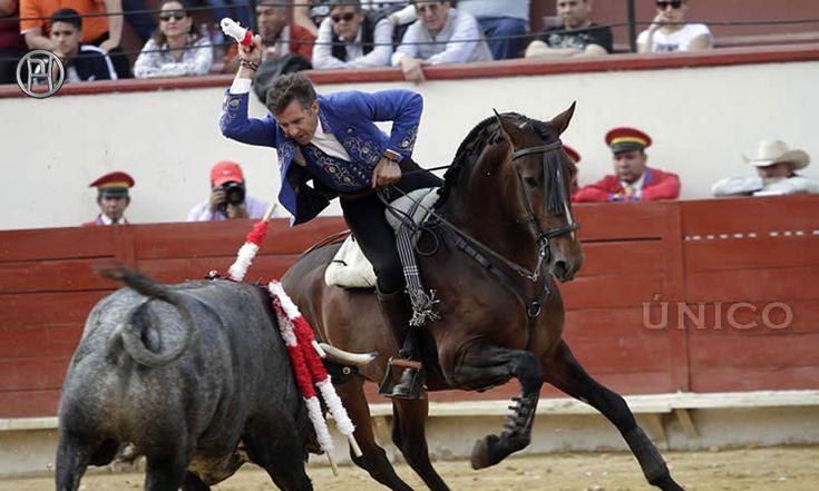 Notable exhibición de toreo a caballo de Pablo pero no llegaron los trofeos.
