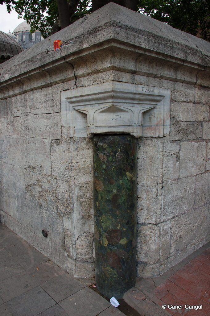 İstanbulun Ortasını Betimleyen Porfir Sütun, Şehzadebaşı – Caner Cangül Fotoğrafları