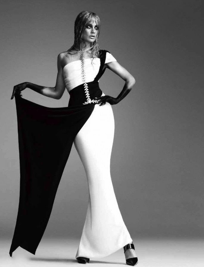 Numéro Tokyo Carolyn Murphy white dress