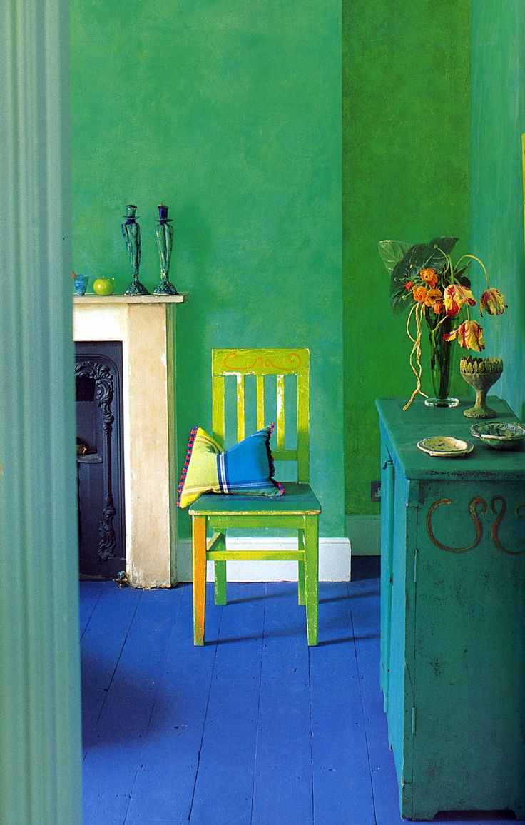 Tricia Guild's London Townhouse in amazing shades of Kelly Green Turquoise blue and Lemon Yellow.