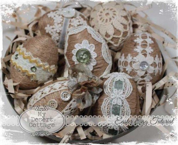 Plastic of piepschuim eieren met touw bekleden en daarna met andere materialen.