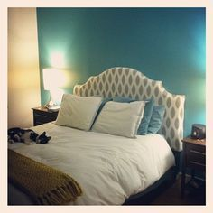 one bright wall in the bedroom & an amazing DIY headboard!