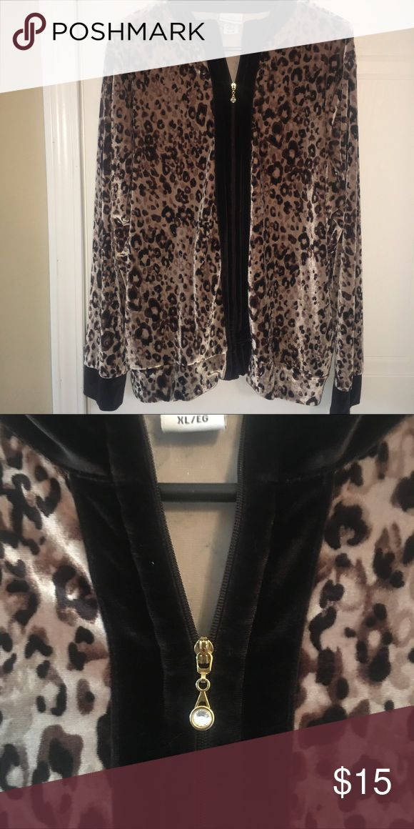 Jaclyn smith sz xl velour jacket Jaclyn smith sz xl velour jacket animal print, pretty goldtone and crystal zipper pull. Jaclyn Smith Jackets & Coats
