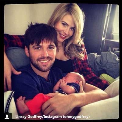 06/12/14 The Bold and the Beautiful's Linsey Godfrey and The Young and the Restless' Robert Adamson are the proud parents of a baby girl.