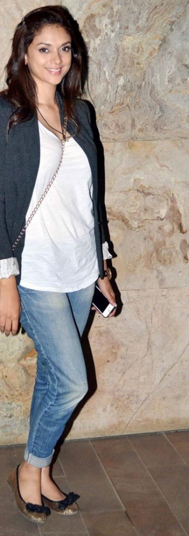Who's Looking More Elegant? Chitrangda Singh Or Aditi Rao at Inkaar Screening | Fandiz India - Latest Indian Fashion Trends